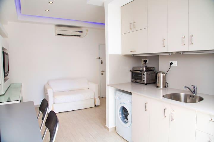 SHALOM ALEICHEM ST 36 MODERN 3 ROOMS 3 BEDROOMS - Holon - Apartamento