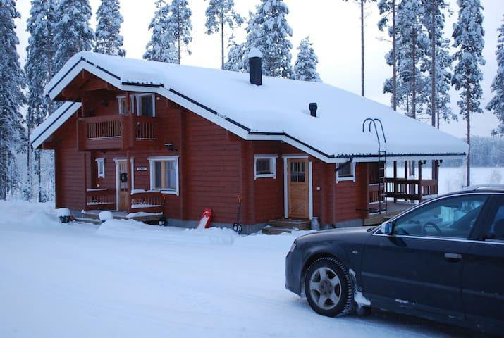 Villa Maaria log house for 12,Saimaa area