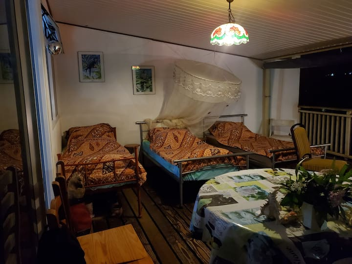 Special Backpackers outdoor covered terrace Tahiti