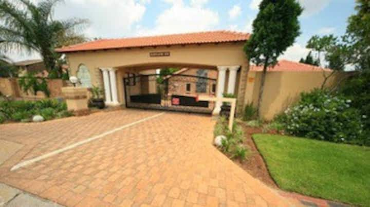 Le cosmos guest house  is a top 4star guest house