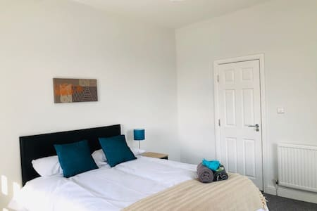 Townhouse @ 51 Balfour Street Stoke - Double Room