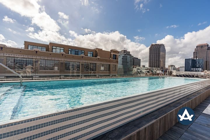 Sextant | The Brandywine | 2 Bed | 5 min drive to Bourbon St