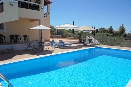 Large villa with pool and sea view - Porto Cheli - 別荘