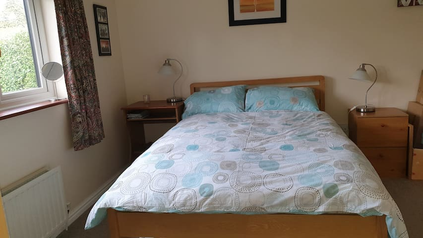 Lovely double bedroom with private bathroom