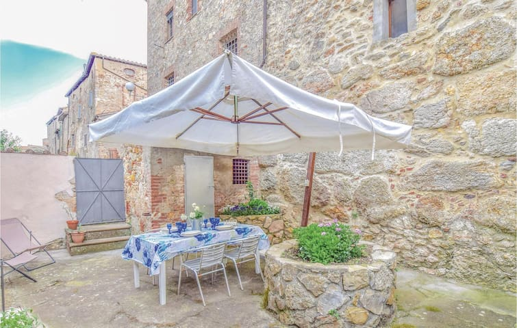 Holiday cottage with 1 bedroom on 70m² in Civitella Marittima GR