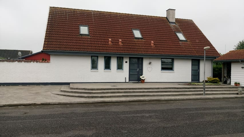 Lovely room for rent north of Copenhagen