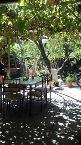 Dormitorio privado en casa/patio - Ñuñoa - Maison