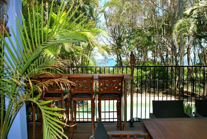 BAMBUDDHA BEACHFRONT Beach House - Yaroomba - Apartmen
