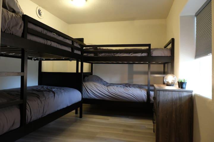Bedroom 4. 2 bunks, 4 beds total.