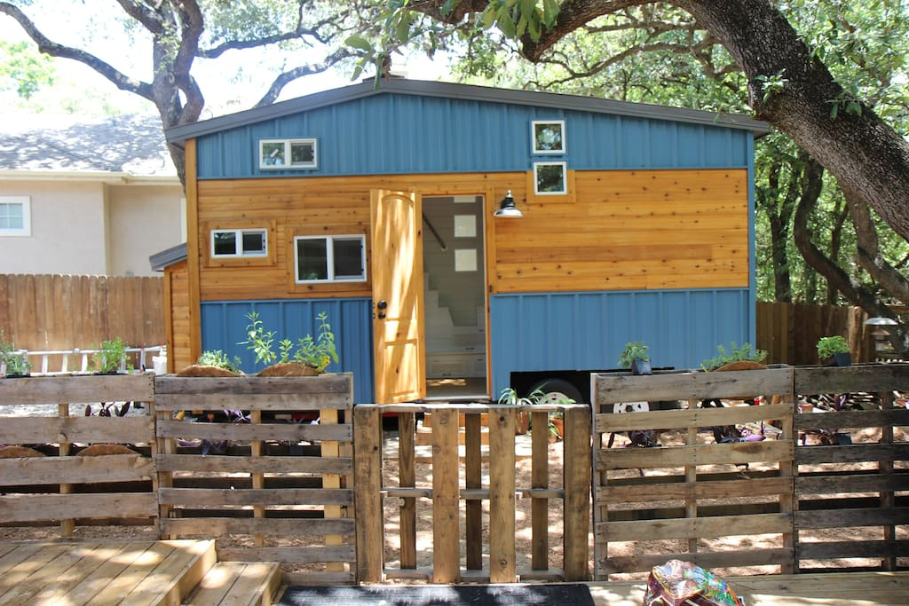 Tiny House In The Big City Tiny Houses For Rent In San Antonio Texas United States