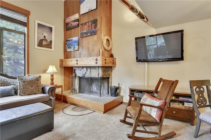 Alpine Meadows Riverfront Condo
