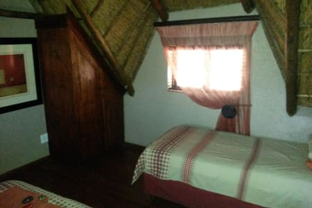 Benlize Lodge - Hartbeespoort - Natur-Lodge