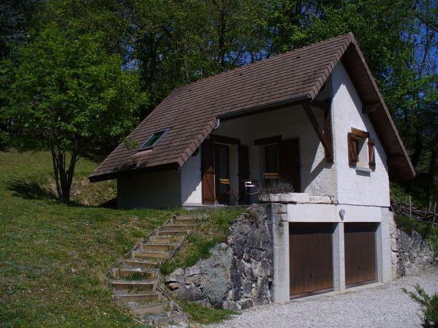 Maisonnette-studio en moyenne montagne