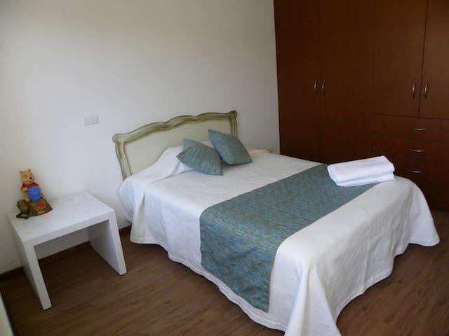Bedroom 2  Recámara 2
