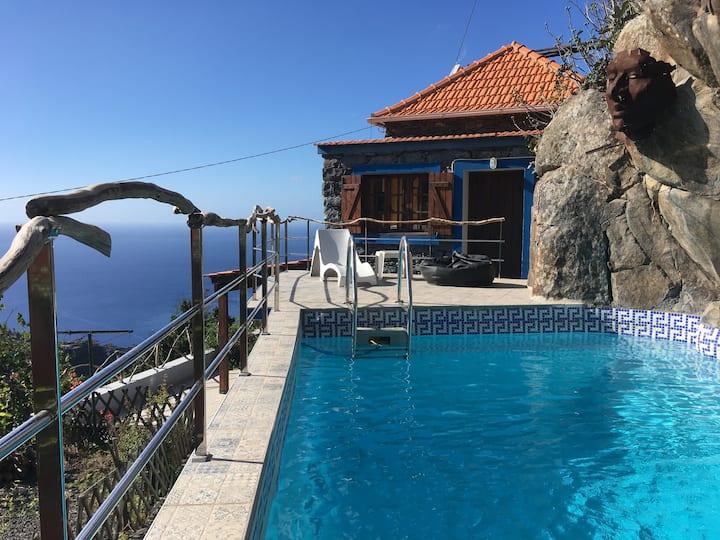 Unique House - Pool, Terrace & Amazing View