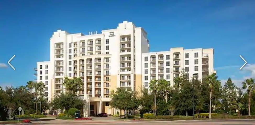 Las Palmeras Hilton Orlando Christmas Getaway!