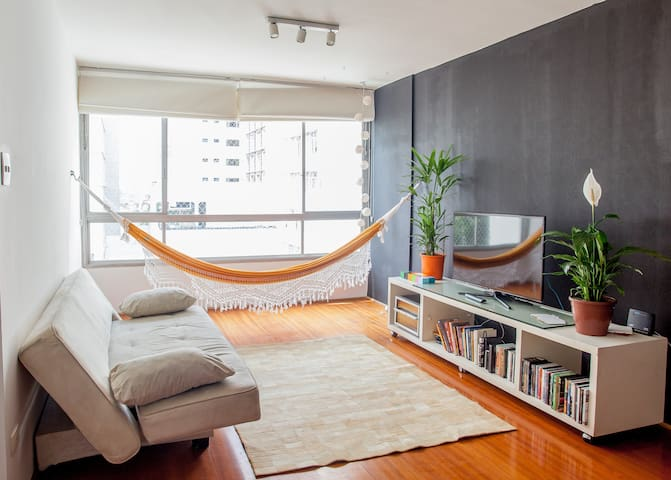 comfy flat, great location (business and leisure) - São Paulo - Apartment
