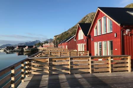 Moderne Rorbu i sentrum av Lofoten