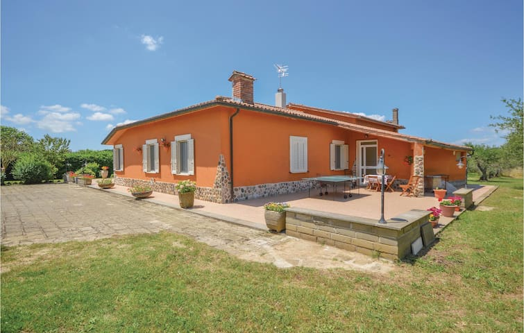 Holiday cottage with 4 bedrooms on 250m² in Canale Monterano -RM-