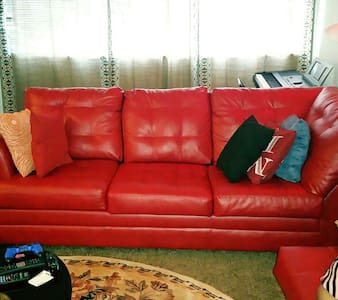 Couch for rent - Adelphi