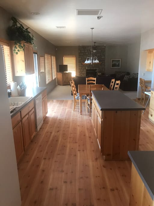 Kitchen joining Family Room