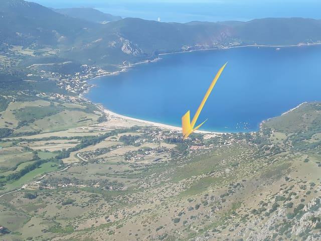Pieds dans l'eau golfe de Lava.25 min d'Ajaccio