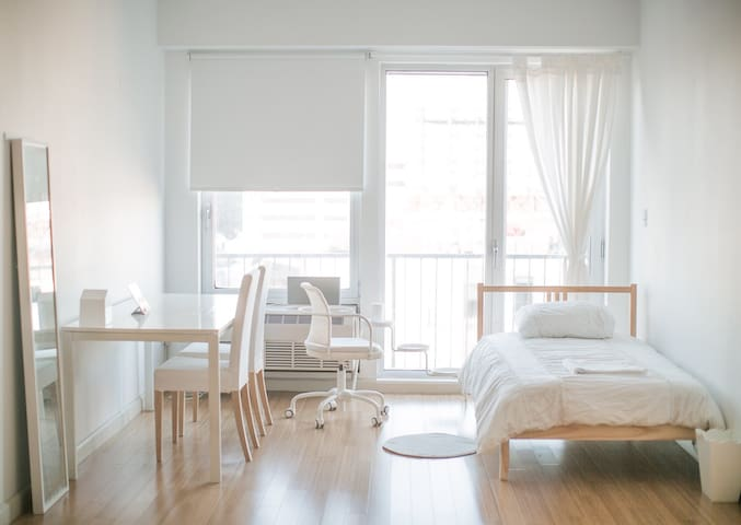White space with 0min to bus stop - Brooklyn - Wohnung