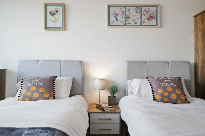 Left or right? Don't worry both twin beds are brand new, designed for comfort and style. Try it.