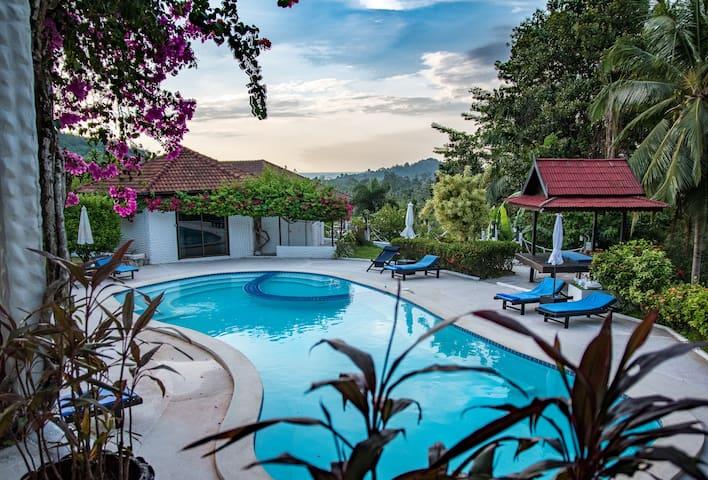 Swim-out Cottage on dream pool in La Costa Samui