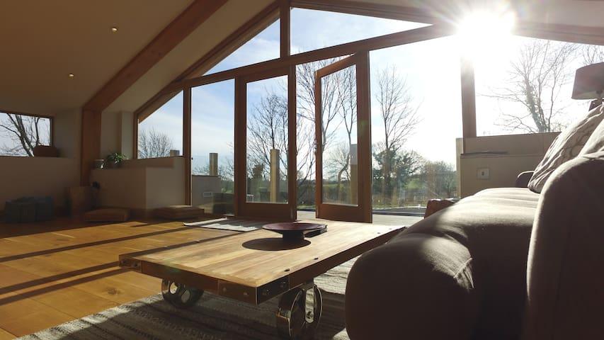 Unique eco lodge with amazing views - Hundleby - Casa cova