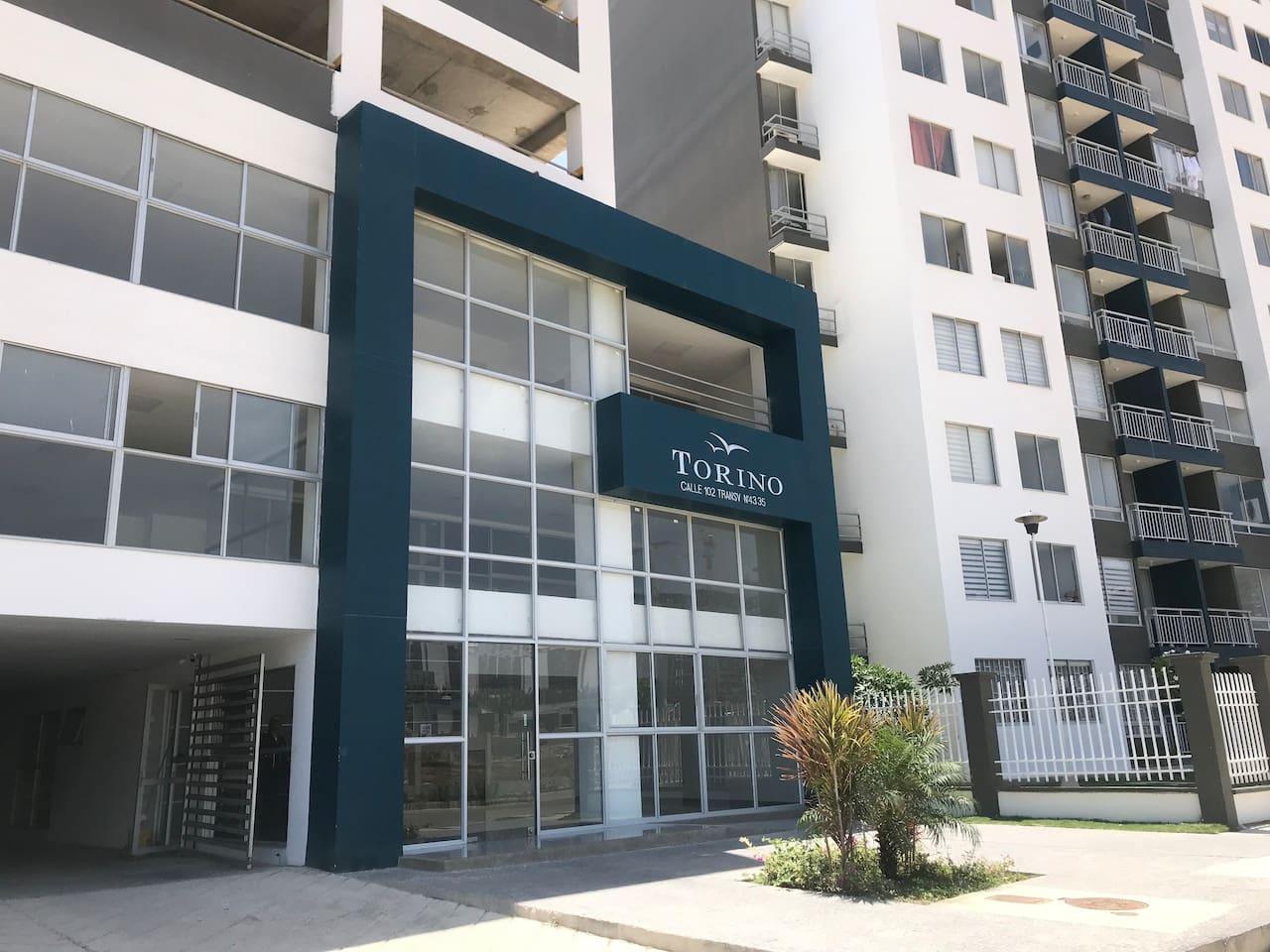 Entrada del conjunto residencial en el sector Miramar.