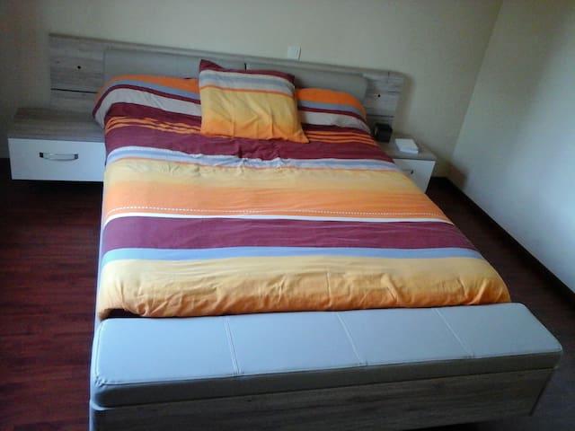 Chambre 2 avec lit de 160