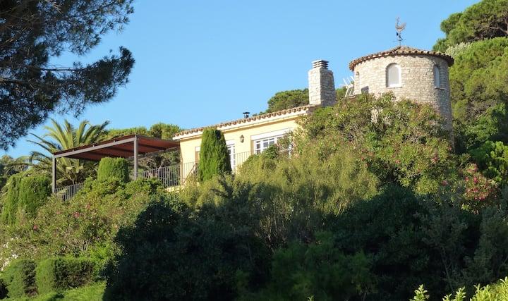 Costa Brava villa with private pool and sea views