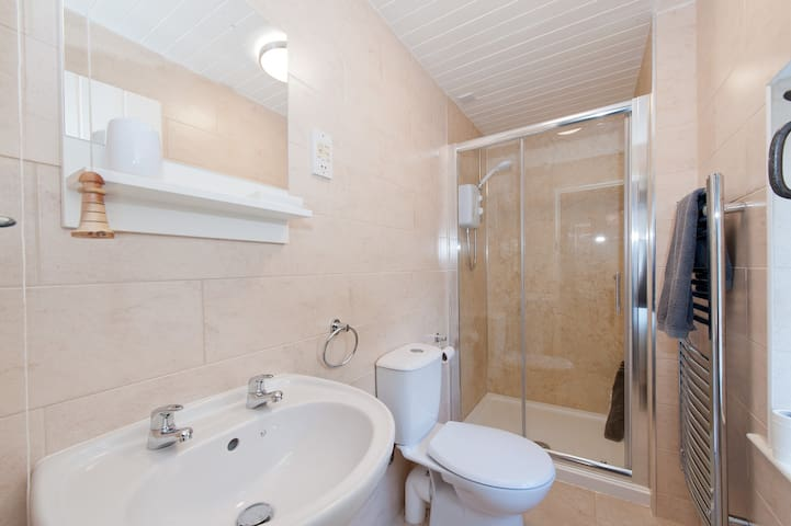 Shower room with walk-in shower