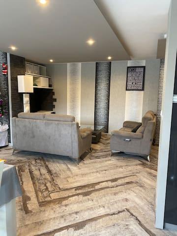 Appartement très calme. Proche de Lyon .