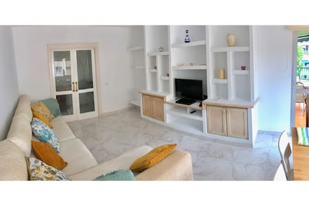 Bright apartment in the centre of Fuengirola - Fuengirola - Casa