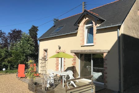 charming house in city center Seiches Sur Le Loir