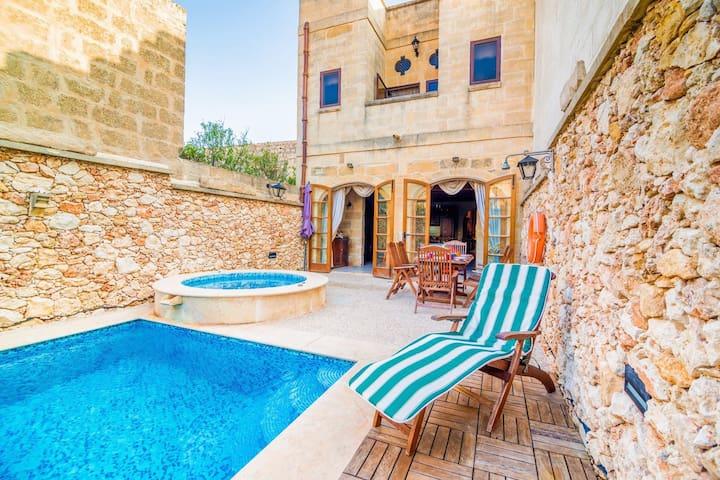 Ta' Manwel Farmhouse Holiday Home Rental.