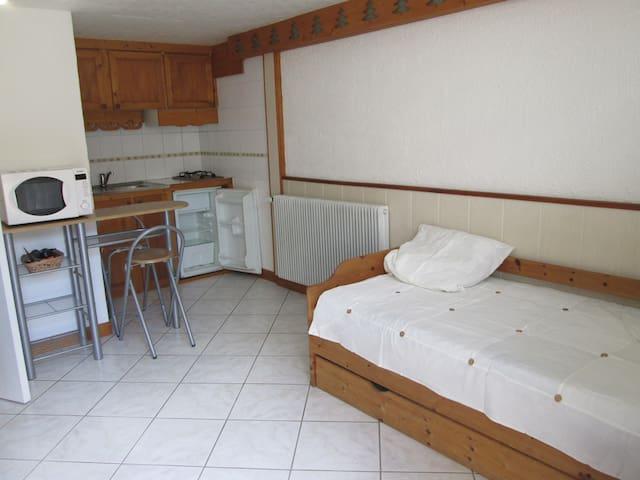 Studio proche d' Annecy pour 1 ou 2 voyageurs