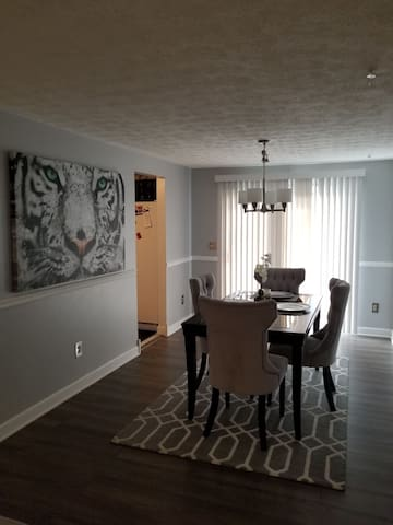 Wonderful home 12-minutes from downtown Columbus!