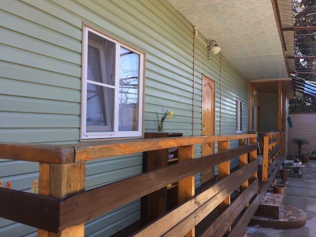 Сдам уютный летний домик в поселке Цитрусовый.