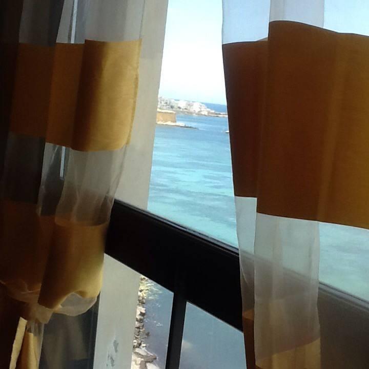 La stanza che guarda il mare
