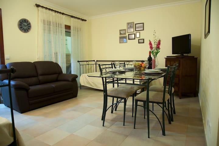 Nicely Furnished 1 Bedroom Flat - Vila Real de Santo António - Byt