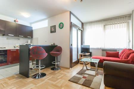 Zagreb, apartment - ซาเกร็บ