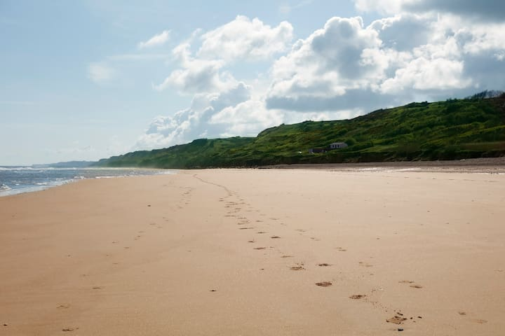 Lumineux mobilhome plage d'Omaha Beach