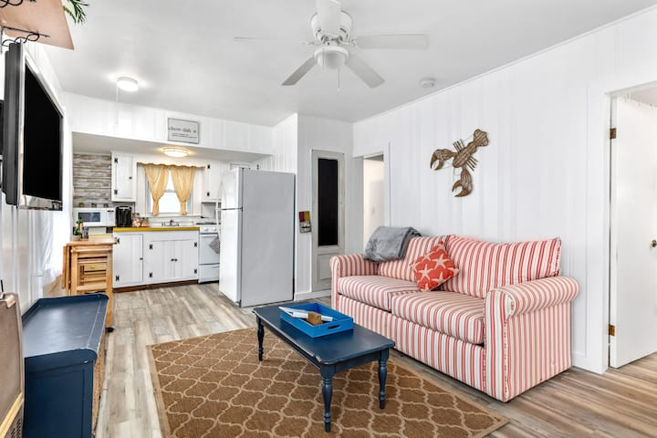 ⭐Grill, Fire TV, Parking ⭐2min → Beach & ❤️ of HB!