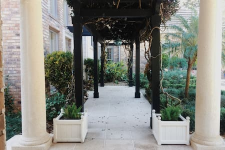 Chic guesthouse with pool getaway... - Orlando - Guesthouse