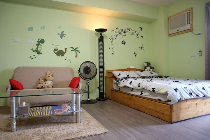 【Loving Tree Hostel】1Double bed with big space!