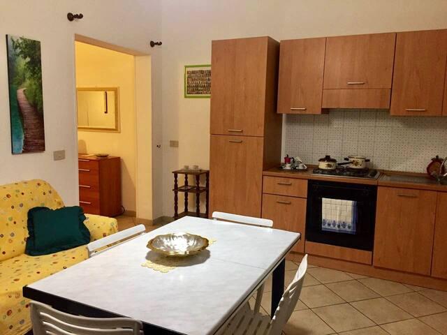 A casa di Salvo, è un piccolo alloggio di 35 mq.