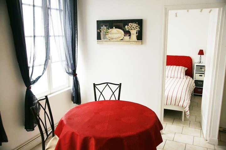 """Gite """"Escale en Ville"""" Louviers - Louviers - Apartment"""